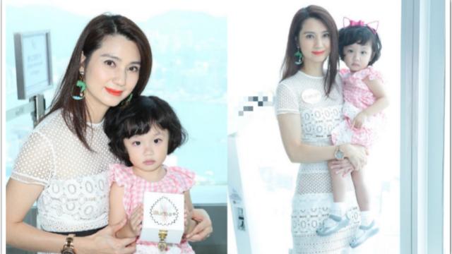 45岁洪欣带女儿拍照 长发飘飘无岁月痕迹