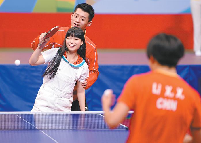 奥运精英团到访引爆香港热情 港媒:他们带来了正能量