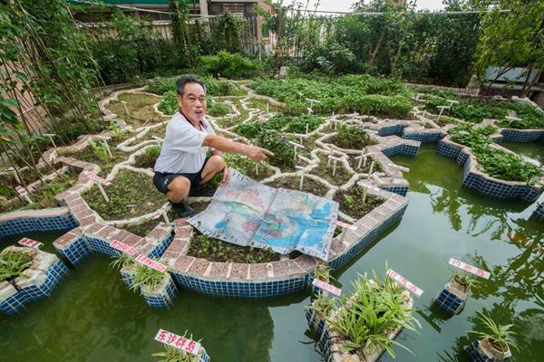 75岁退休教师阳台自建中国地图模型