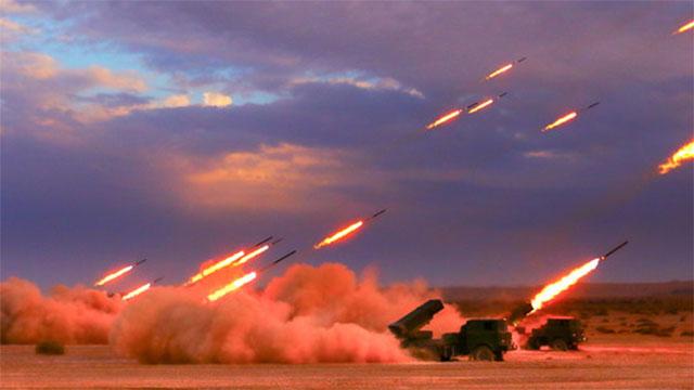 炮兵团在无人区狂下火雨