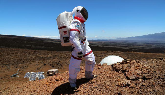 """NASA火星生存模拟收官 六名志愿者今日""""归来"""""""