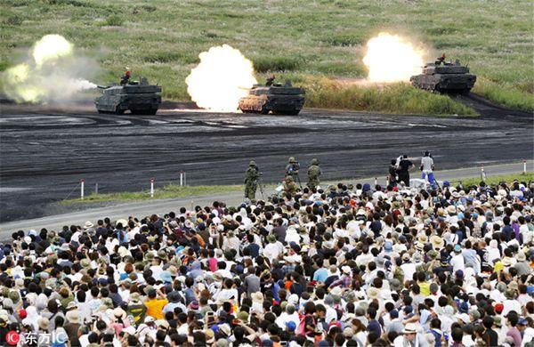 日本自卫队举行大规模实弹演习 以夺岛为假想目标