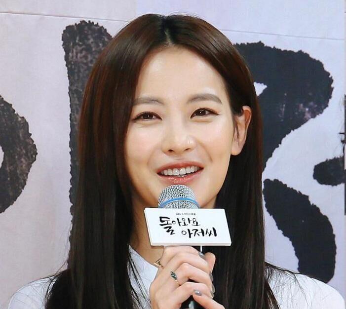 韩女星吴妍书加盟电影版《奶酪陷阱》 搭挡朴海镇