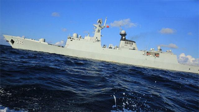 东海舰队远海训练画面发布