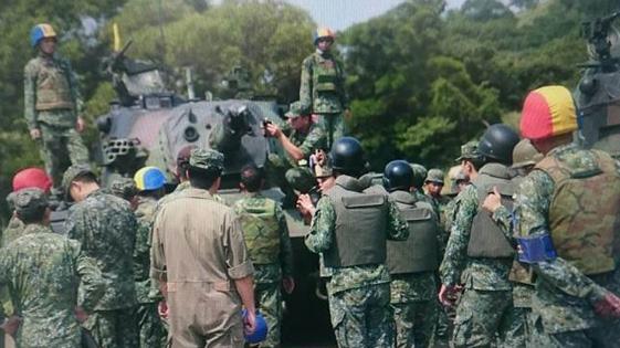 台军主战坦克再出事故 开着开着炮管没了....(图)
