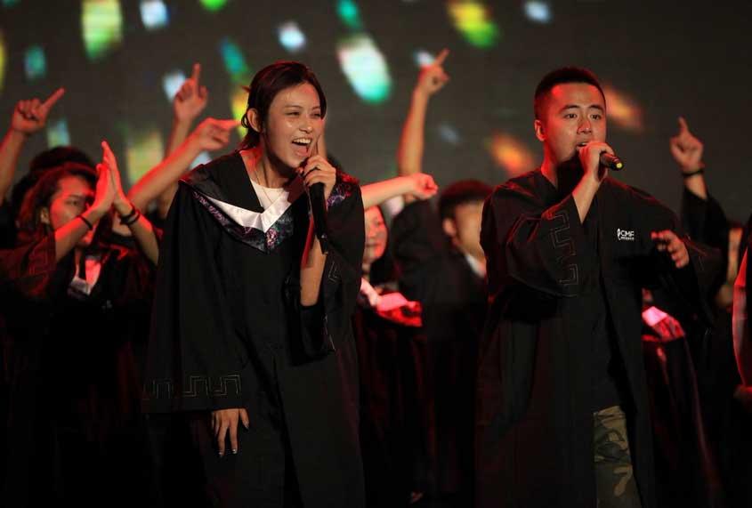 青春音乐学院完美收官 水木年华助阵献唱