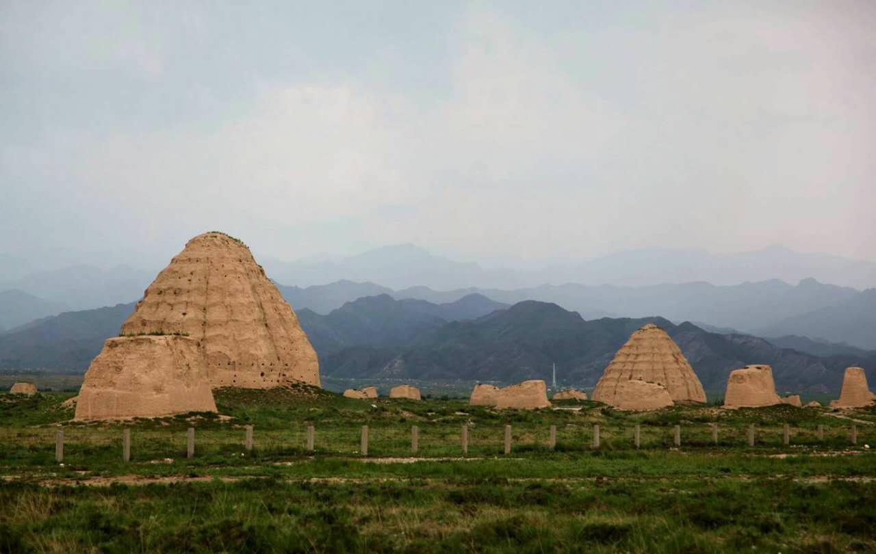 探访东方金字塔——神秘的西夏王陵