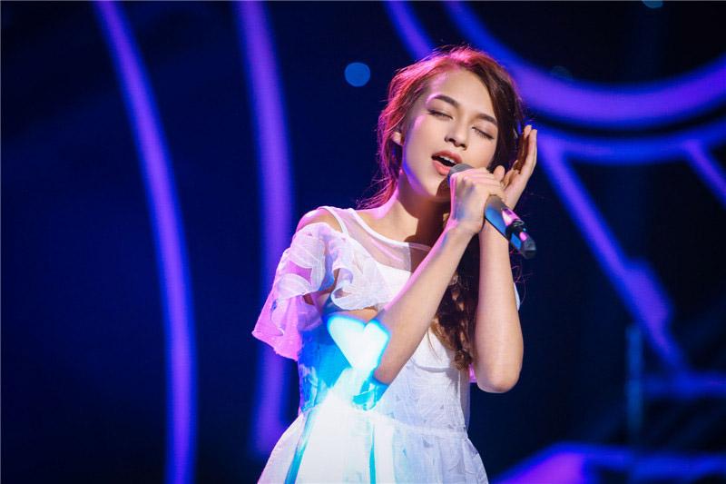《新声代4》曹格班级小考 杨锡州演唱戳薛之谦泪点