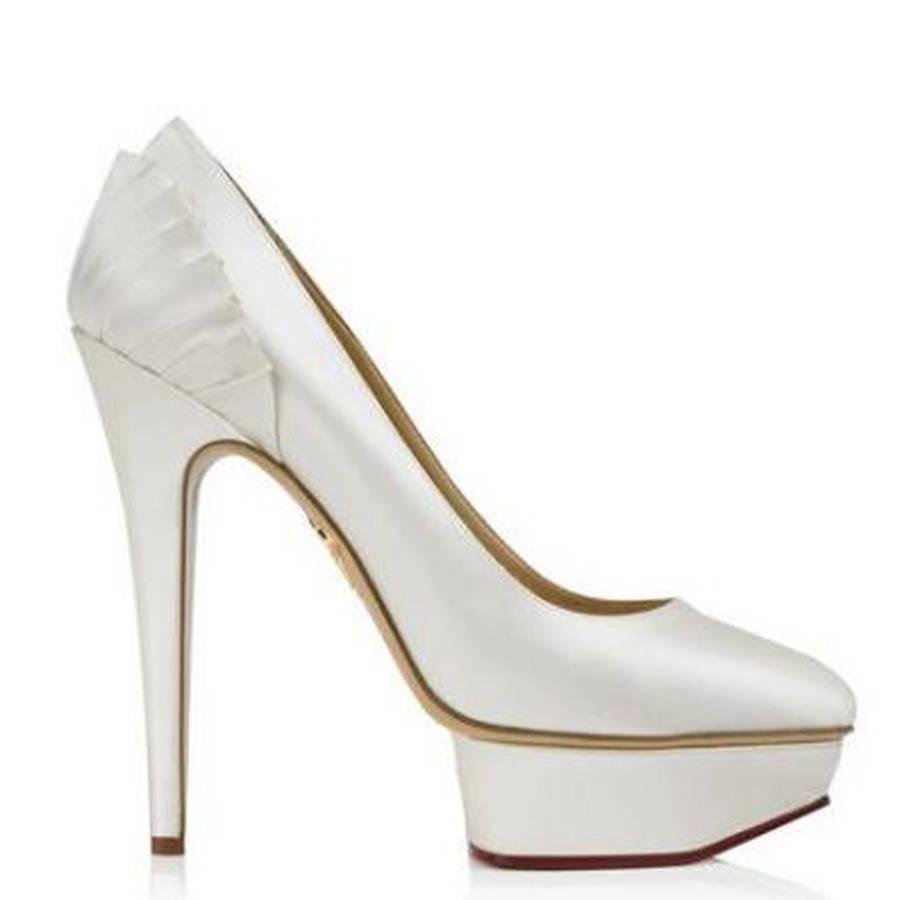 法媒推荐18款华丽婚鞋 帮你打造完美婚礼
