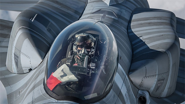 波兰空军F16C镜头前凶猛异常