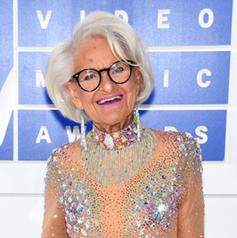 她们80岁才出道,可名气却比顶级超模都大!