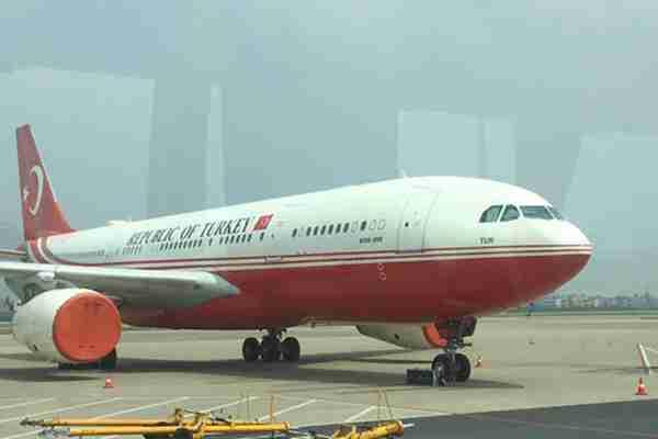 环球网记者在现场:实拍G20国家领导人陆续抵达萧山国际机场