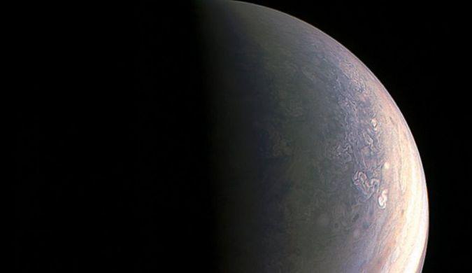 美宇航局公布人类历史上看到的最清晰木星照片