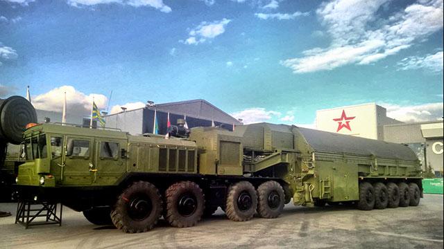 首见俄最强潜射洲际导弹载车
