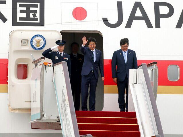 安倍前往老挝参加东亚合作领导人系列会议