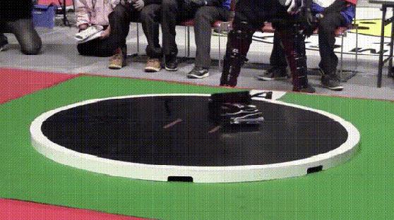 日本机器人相扑运动逐渐兴起