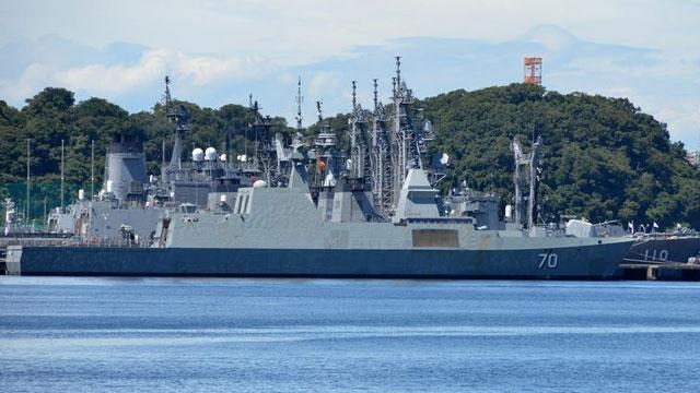 新加坡最强护卫舰抵横须贺港