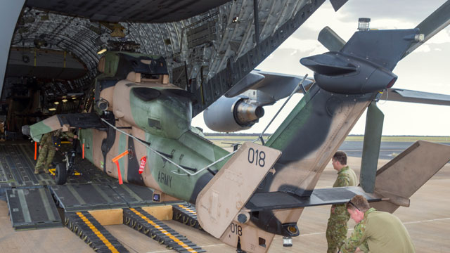 澳大利亚C17运载虎式武直