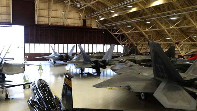全世界空军都憧憬的机库景象