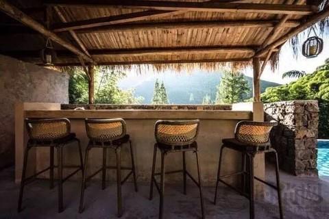 这家莫干山新开的精品酒店有附近最好的无边泳池,没有之一