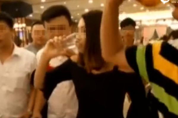 28岁伴娘婚礼现场过量饮酒身亡