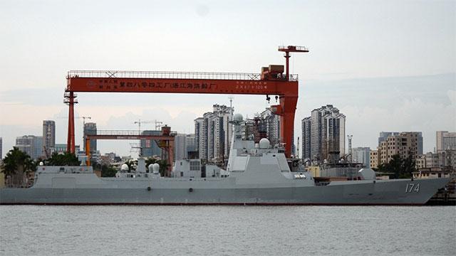中国海军大舰齐聚湛江军港
