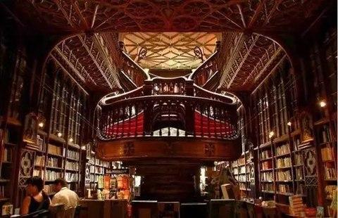 在前进的路上,这10家国内书店真的让我的心静了下来