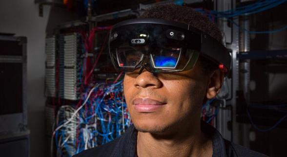 微软HoloLens开发版现在都能做些啥?