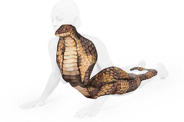 赞!英彩绘师人体上描绘灵动动物王国