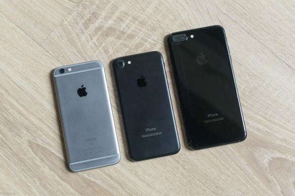 还敢不戴套?看哑光黑和亮黑色iPhone 7的划伤