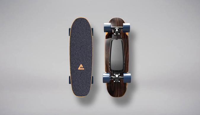 这款电动滑板又小又轻 跑得贼快 最高时速29公里