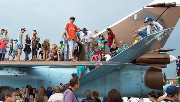 苏24战机变史上最贵儿童滑梯