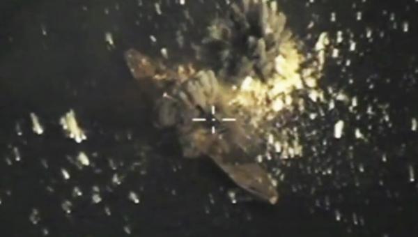 俄军用三款导弹击毁自家战舰