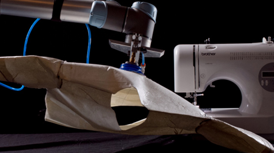 机器人可以自动缝制衬衣