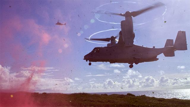 美军陆战队鱼鹰运迫击炮尘土飞扬