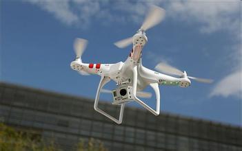 """中国无人机行业发展迅猛 管理法规何时""""落地""""?"""