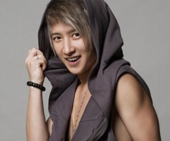 韩庚在SJ时的样子,真是和现在截然不同的气质啊
