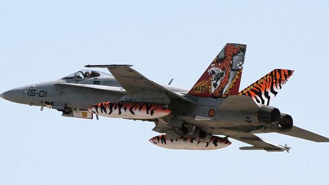 西班牙F18战斗机虎纹很霸气