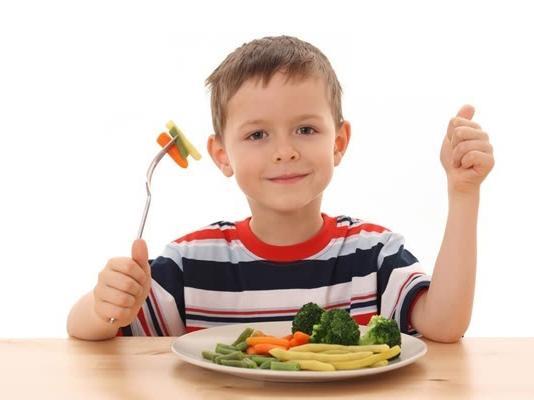 研究:婴儿断奶期吃饭噎食与进食方式无关