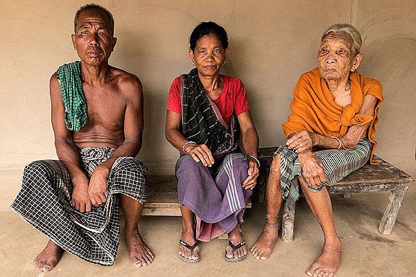 孟加拉国母女俩同嫁一夫 幸福生活45载