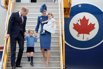 威廉王子携全家访加 夏洛特公主随行