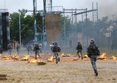 陆战队勇士穿越火线毫不含糊
