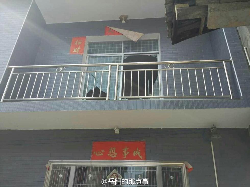 岳阳临湘一鞭炮厂爆炸 居民门窗被震碎