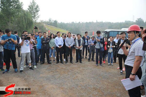 网媒记者入现场观施工 点赞阳大铁路促进区域联动