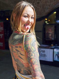国际纹身大会伦敦盛大开幕 惊爆眼球