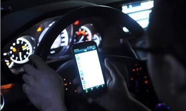 六种行为应负交通事故全责 行车需改掉陋习