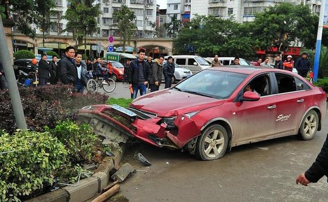 借车给别人出了车祸 哪些情况下不用自己赔
