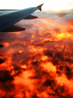 乘客飞机上拍墨尔本日落天空仿若火海