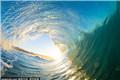 冲浪摄影师独特视角展示海洋魅力