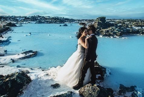 新人冰岛拍摄冰川订婚照美丽冻人